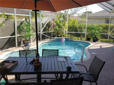 4911 KENSINGTON CIR, Coral Springs, FL 33076 - Photo 2