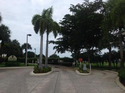 606 MEADOWS CIR, BOYNTON BEACH, FL 33436 - Photo 2