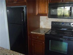 4361 W MCNAB RD APT 31, Pompano Beach, FL 33069 - Photo 2
