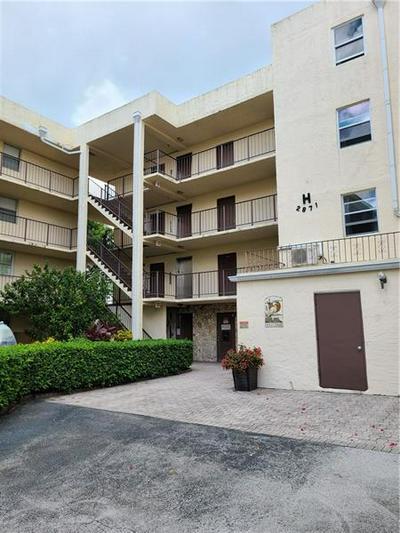 2871 SOMERSET DR APT 318, Lauderdale Lakes, FL 33311 - Photo 1
