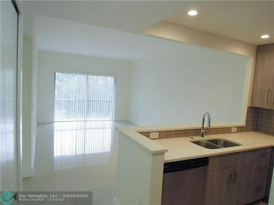 290 W PALMETTO PARK RD APT 309, Boca Raton, FL 33432 - Photo 2