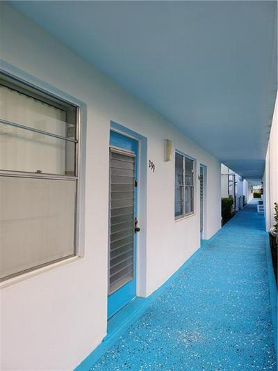 299 DURHAM I # 299, Deerfield Beach, FL 33442 - Photo 2