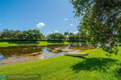 1054 BLUEWOOD TER, Weston, FL 33327 - Photo 2