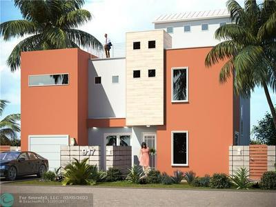 719 NE 17, Fort Lauderdale, FL 33304 - Photo 1