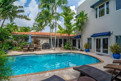 3052 CENTER AVE, Fort Lauderdale, FL 33308 - Photo 1