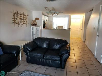 2799 NE 15TH ST, Pompano Beach, FL 33062 - Photo 2