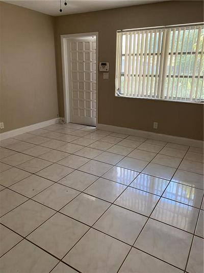 2652 NE 9TH AVE # 2652, Wilton Manors, FL 33334 - Photo 2