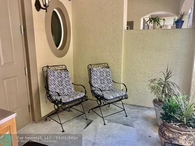 2633 NE 14TH AVE APT 107, Wilton Manors, FL 33334 - Photo 2