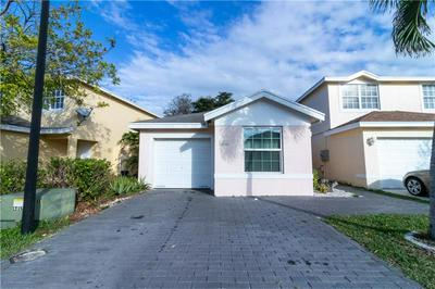 4046 EASTRIDGE CIR, Deerfield Beach, FL 33064 - Photo 2