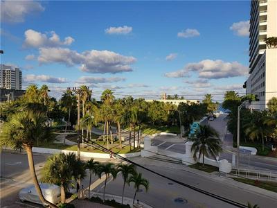 95 N BIRCH RD APT 405, Fort Lauderdale, FL 33304 - Photo 2