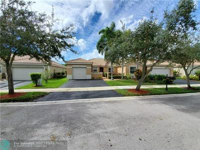 1583 ORION LN # 1583, Weston, FL 33327 - Photo 2