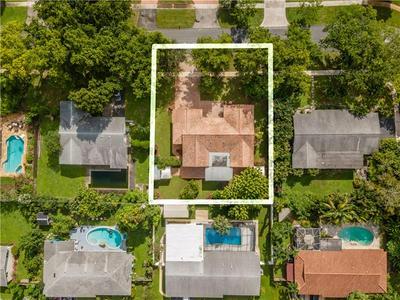 261 SW 52ND AVE, Plantation, FL 33317 - Photo 2