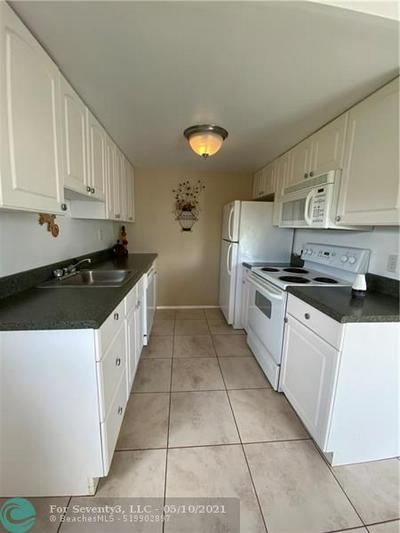 3101 NEWPORT U # 3101, Deerfield Beach, FL 33442 - Photo 2