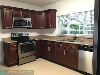 251 S TRADEWINDS AVE, Lauderdale By The Sea, FL 33308 - Photo 2
