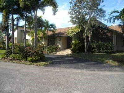 901 SW 93RD AVE, Plantation, FL 33324 - Photo 1