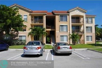 913 VILLA CIR, Boynton Beach, FL 33435 - Photo 1