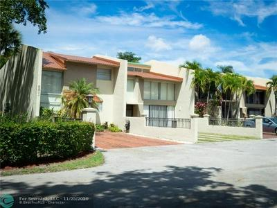 8811 GATEHOUSE RD APT 7, Plantation, FL 33324 - Photo 2