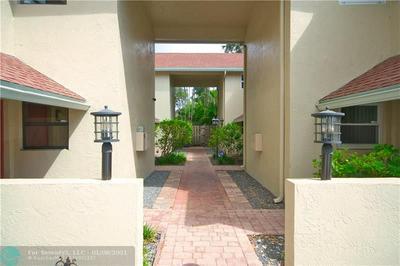 499 SE 13TH ST APT 4W, Fort Lauderdale, FL 33316 - Photo 2