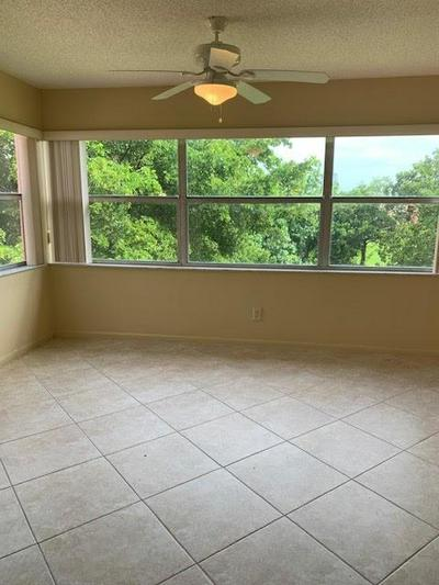 9561 SUNRISE LAKES BLVD APT 306, Sunrise, FL 33322 - Photo 2