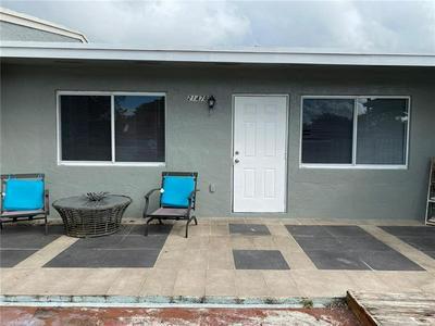 21478 NW 40TH CIRCLE CT, Miami Gardens, FL 33055 - Photo 1
