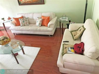 290 W PALMETTO PARK RD APT 114, Boca Raton, FL 33432 - Photo 2