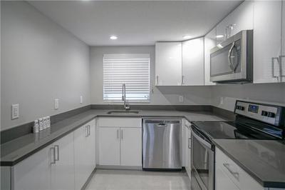 640 NE 7TH AVE APT 4, Fort Lauderdale, FL 33304 - Photo 2