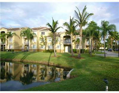 2600 S UNIVERSITY DR APT 227, Davie, FL 33328 - Photo 1
