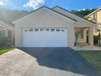 579 TALAVERA RD, Weston, FL 33326 - Photo 2