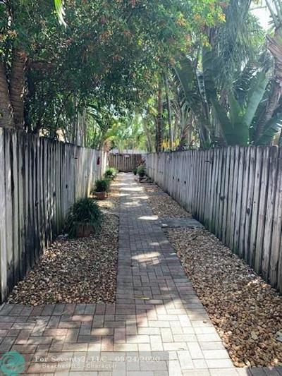 758 NE 13TH CT APT 5, Fort Lauderdale, FL 33304 - Photo 2
