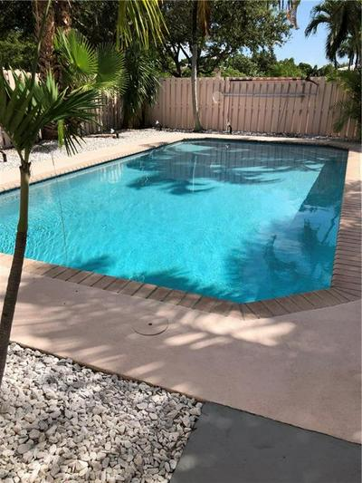 4521 NE 21ST AVE APT 2, Fort Lauderdale, FL 33308 - Photo 2