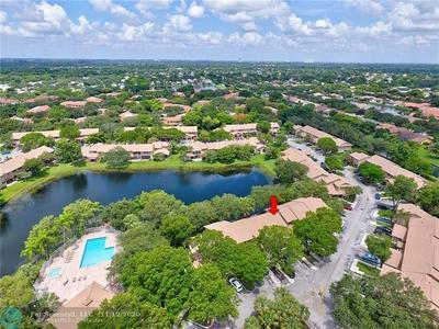 9010 VINEYARD LAKE DR # 9010, Plantation, FL 33324 - Photo 1