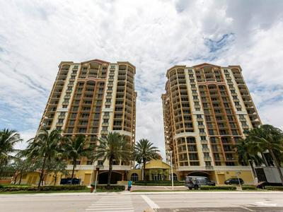 2001 N OCEAN BLVD APT 202, Fort Lauderdale, FL 33305 - Photo 2