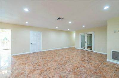 1300 SW 9TH AVE, FORT LAUDERDALE, FL 33315 - Photo 2