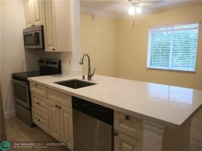 1444 WINDSOR CT APT 5, Fort Lauderdale, FL 33304 - Photo 1