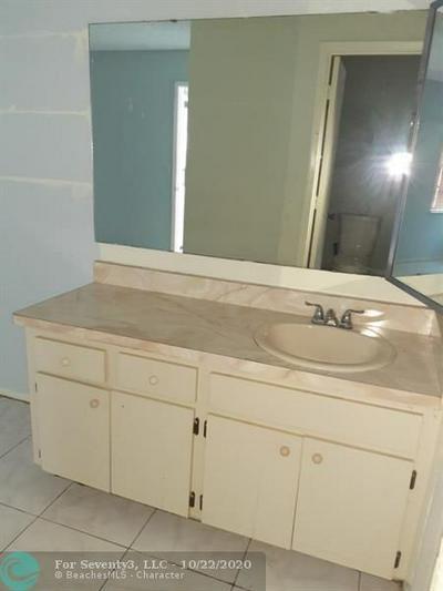 285 SW STERRET CIR, Port Saint Lucie, FL 34953 - Photo 2