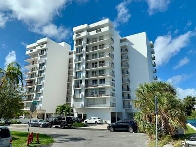 1609 N RIVERSIDE DR APT 202, Pompano Beach, FL 33062 - Photo 1