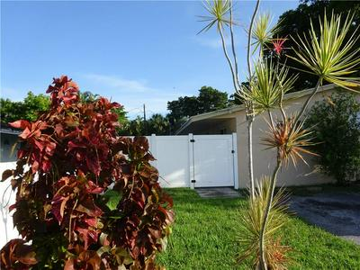 916 NW 26TH ST, Wilton Manors, FL 33311 - Photo 1