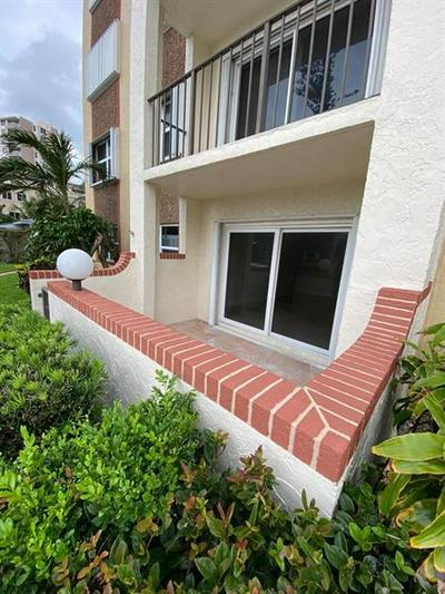 400 N RIVERSIDE DR APT 102, Pompano Beach, FL 33062 - Photo 2