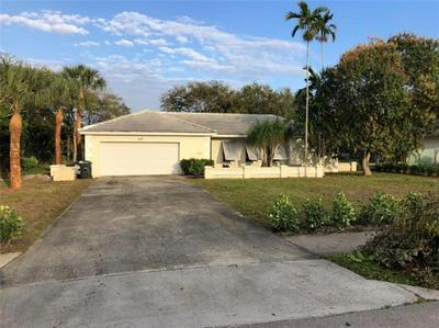 960 NW 4TH AVE, Boca Raton, FL 33432 - Photo 1