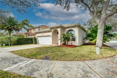 10809 MORNINGSTAR DR, Cooper City, FL 33026 - Photo 2