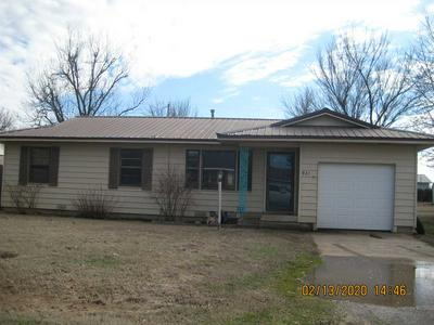 921 W NEBRASKA AVE, Cyril, OK 73029 - Photo 1
