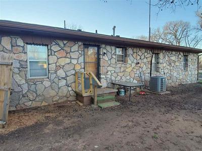 502 N FORREST ST, Apache, OK 73006 - Photo 2