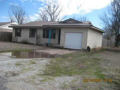 921 W NEBRASKA AVE, Cyril, OK 73029 - Photo 2