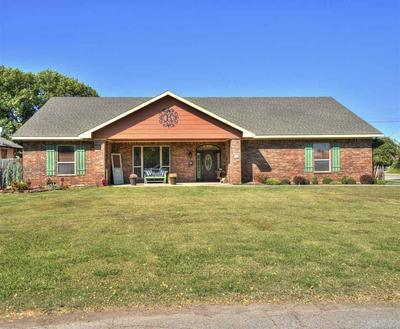 501 W NEBRASKA ST, Walters, OK 73572 - Photo 1