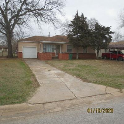 449 E IOWA ST, Walters, OK 73572 - Photo 1
