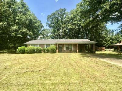 135 OAKWOOD PL, Waynesboro, MS 39367 - Photo 1