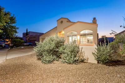 285 LOS ARBOLES CT, Las Cruces, NM 88011 - Photo 2