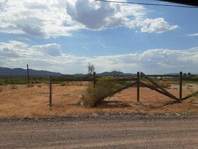 404 BYRUM RD, Chaparral, NM 88081 - Photo 2