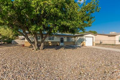1418 EVELYN ST, Las Cruces, NM 88001 - Photo 2