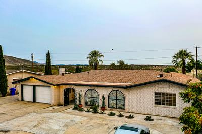 3233 FAIRWAY DR, Las Cruces, NM 88011 - Photo 1